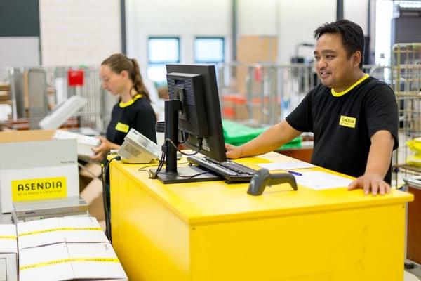 Asendia employee customer service-1